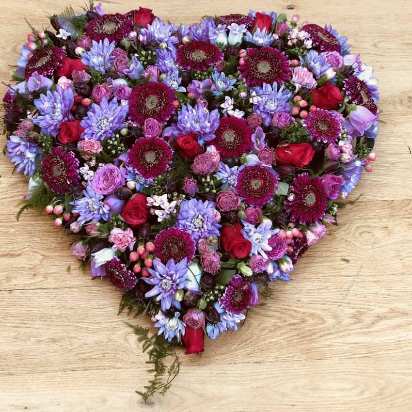 Send blomster en hjerte til begravelse leveres til hele danmark